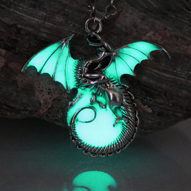 Game-of-Throne-dragon-Punk-Luminous-Dragon-Pendants-Necklaces-GLOW-in-the-DARK-dragon-amulet-Sweater